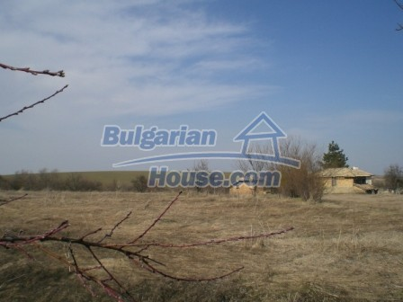 10113:26 - A cheap bulgarian house for sale in picturesque village near Tar