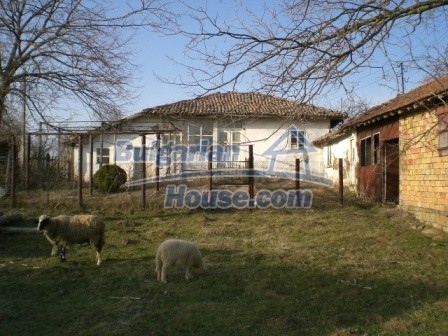 10114:3 - Cheap bulgarian house for sale with big garden