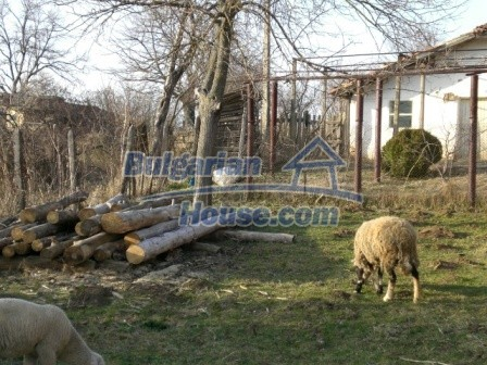 10114:4 - Cheap bulgarian house for sale with big garden
