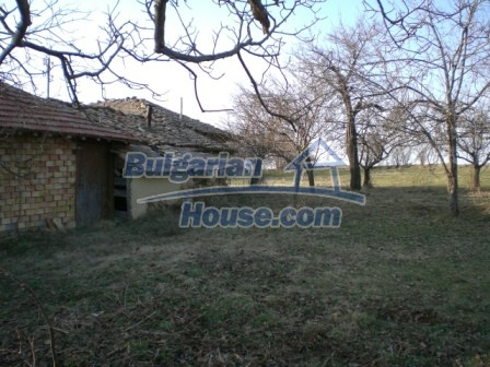 10114:11 - Cheap bulgarian house for sale with big garden