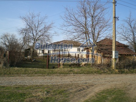 10114:12 - Cheap bulgarian house for sale with big garden