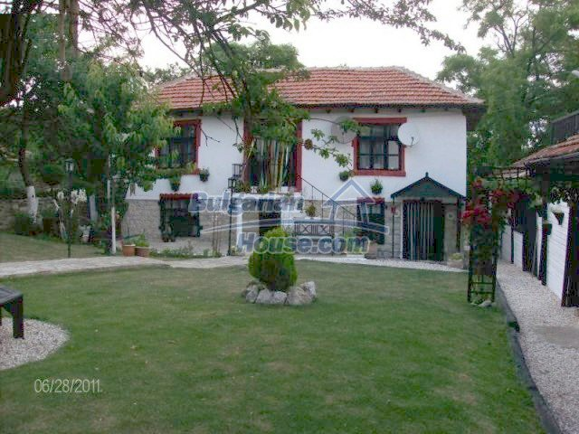 10124:2 - Luxury Bulgarian house 18km from Varna with swimming pool