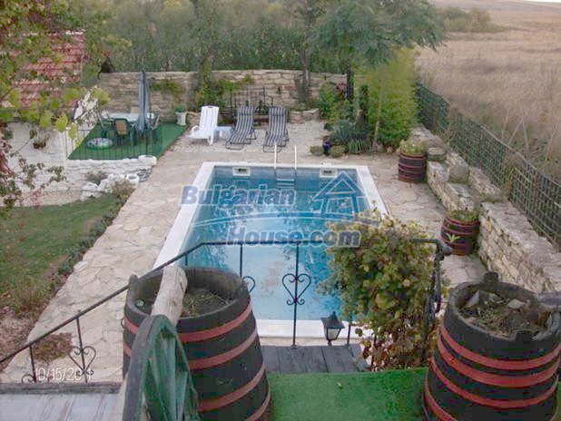 10124:5 - Luxury Bulgarian house 18km from Varna with swimming pool