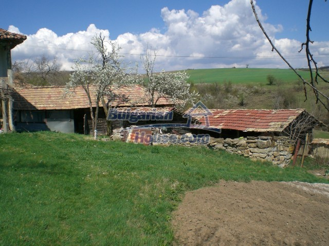 10094:39 - Old traditional Bulgarian house for sale near dam lake