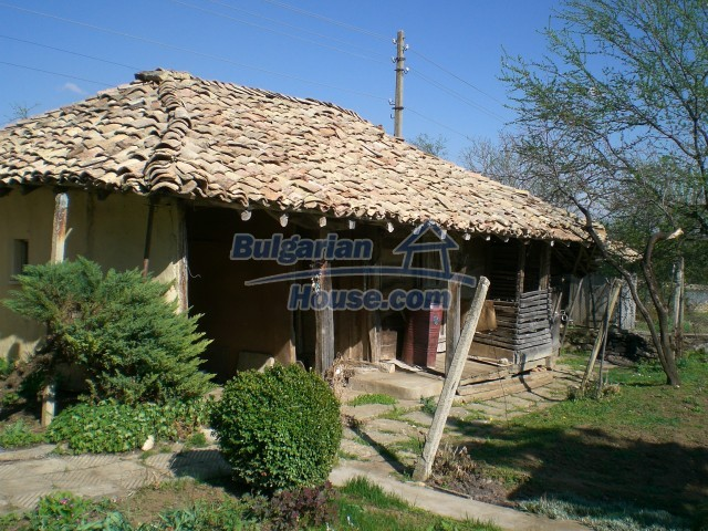 9210:37 - BARGAIN  House for sale in Bulgaria, near Targovishte