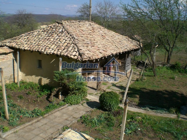 9210:38 - BARGAIN  House for sale in Bulgaria, near Targovishte
