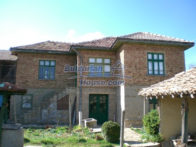 9210:1 - BARGAIN  House for sale in Bulgaria, near Targovishte