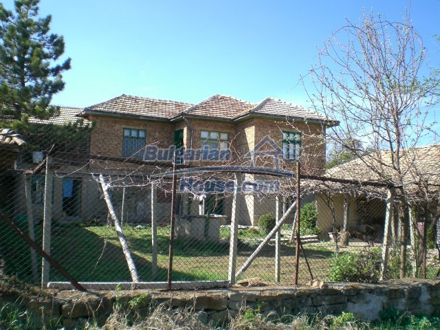 9210:40 - BARGAIN  House for sale in Bulgaria, near Targovishte