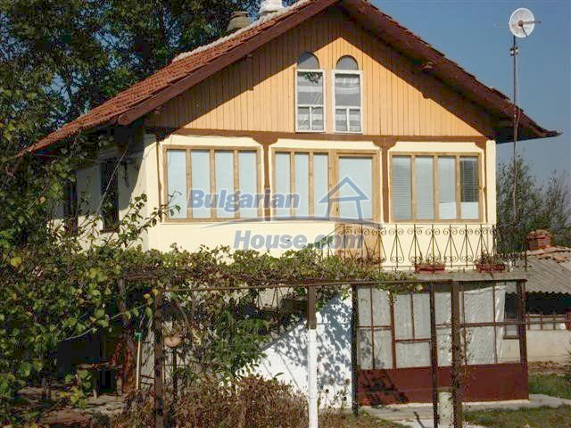 10140:1 - Cheap bulgarian house for sale, furnished and fully renovated on