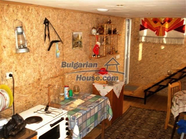 10140:13 - Cheap bulgarian house for sale, furnished and fully renovated on