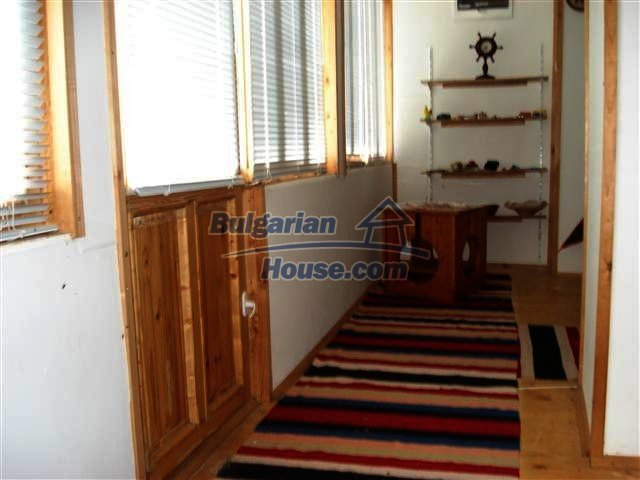 10140:17 - Cheap bulgarian house for sale, furnished and fully renovated on