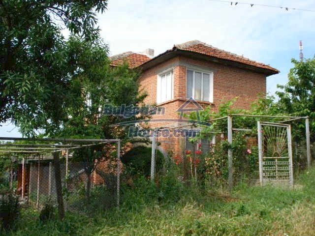 10151:1 - Lovely two storey house for sale in Bulgaria only 3km from Elhov