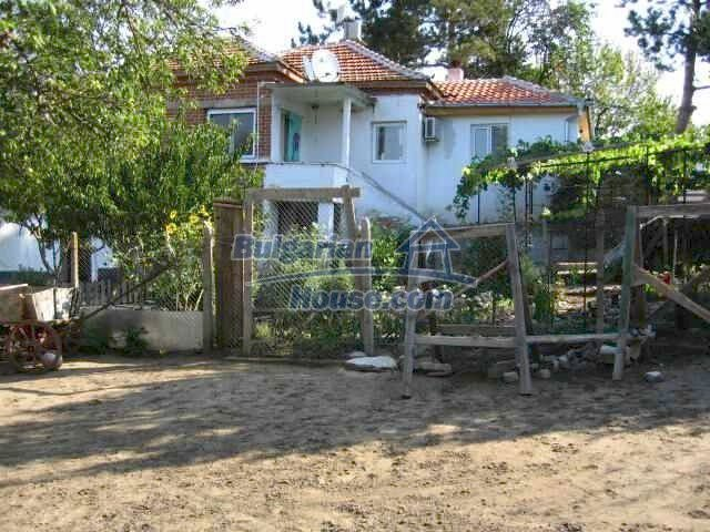 10153:2 - Three bulgarian properties for sale for the price of one in Elho