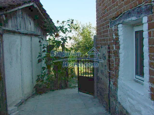 10153:6 - Three bulgarian properties for sale for the price of one in Elho