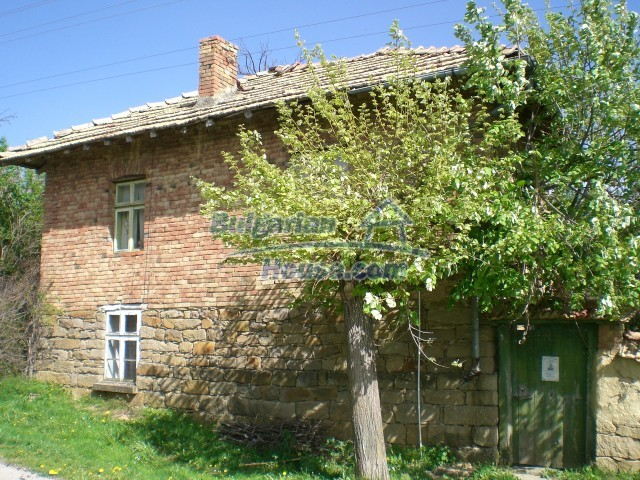 10236:1 - House in veliko tarnovo region only 2km from lake
