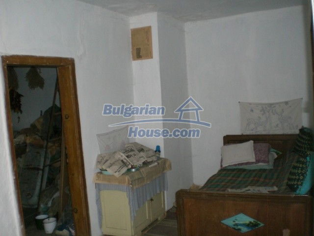 10236:14 - House in veliko tarnovo region only 2km from lake