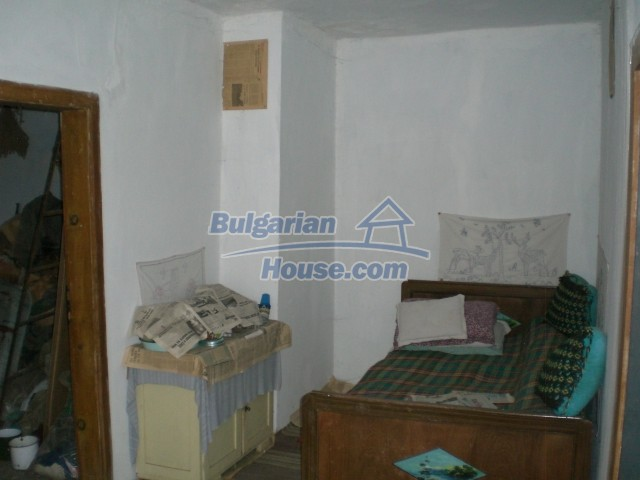 10236:18 - House in veliko tarnovo region only 2km from lake