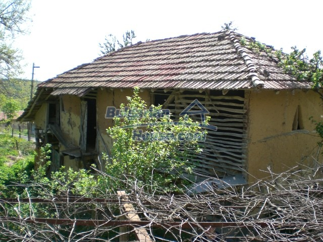 10236:21 - House in veliko tarnovo region only 2km from lake