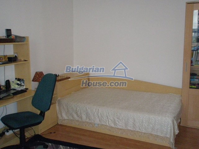 10254:12 - Brick built two bedromm bulgarian apartment for sale in Plovdiv