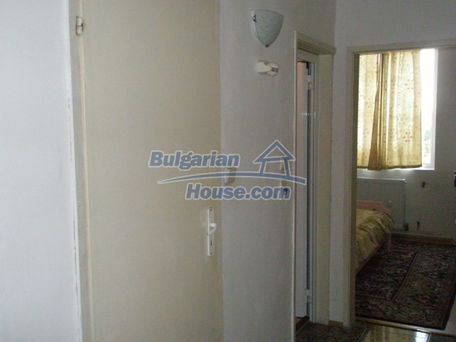 10254:10 - Brick built two bedromm bulgarian apartment for sale in Plovdiv