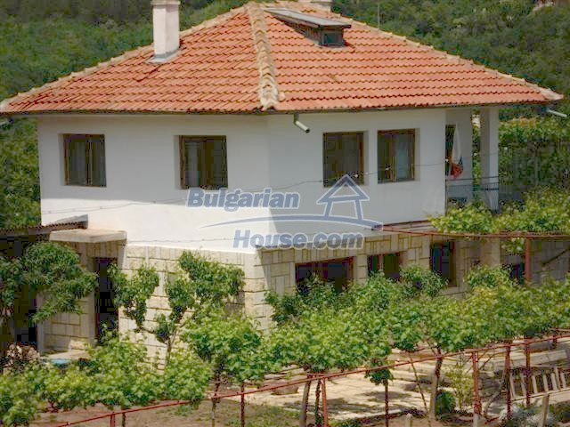 10261:1 - House in Bulgaria for sale only 600m away from the sea