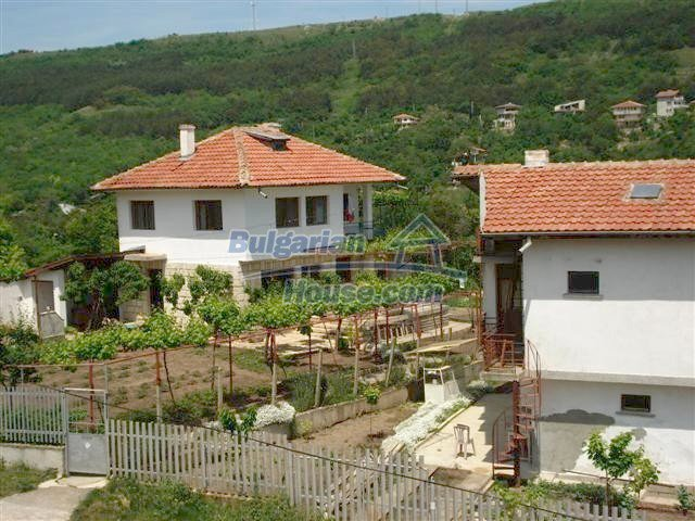 10261:2 - House in Bulgaria for sale only 600m away from the sea