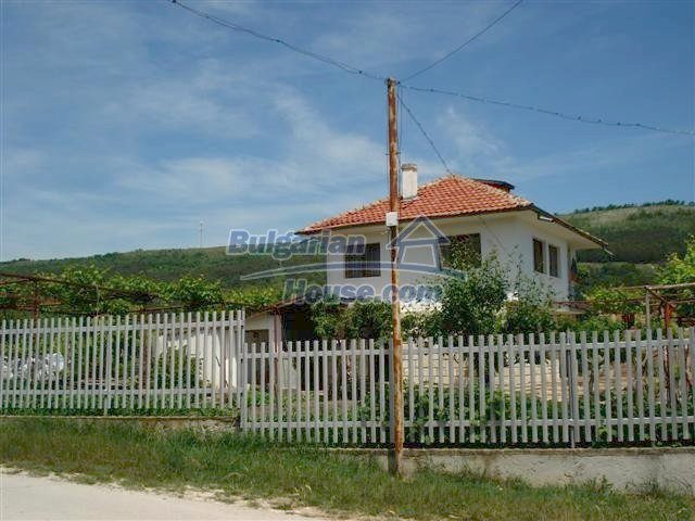 10261:3 - House in Bulgaria for sale only 600m away from the sea