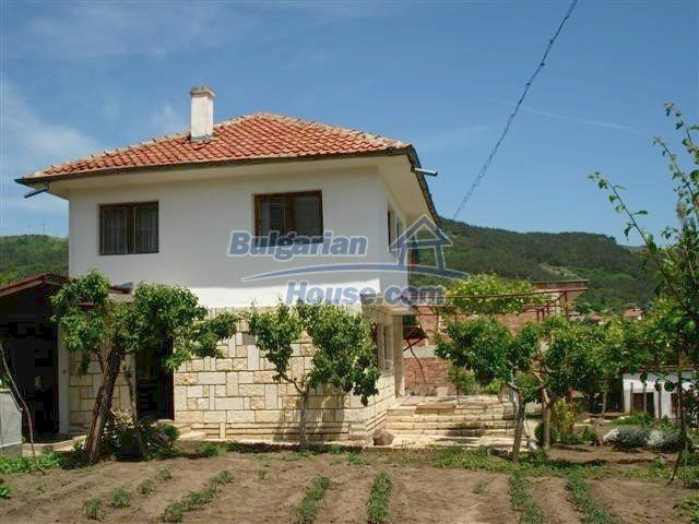 10261:4 - House in Bulgaria for sale only 600m away from the sea