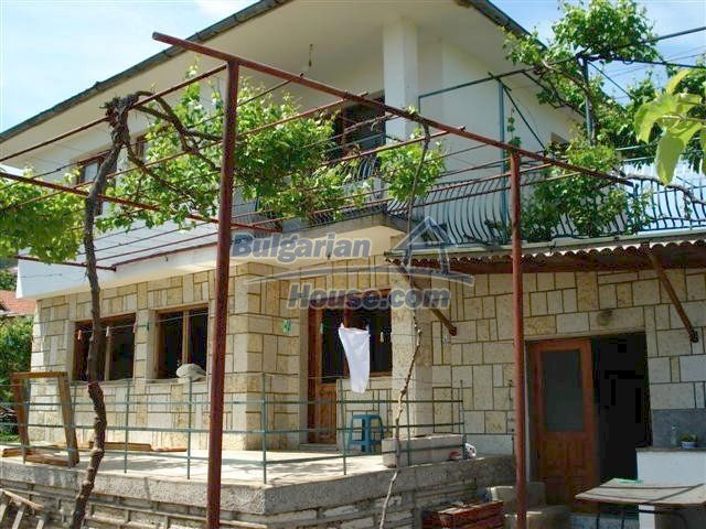 10261:11 - House in Bulgaria for sale only 600m away from the sea