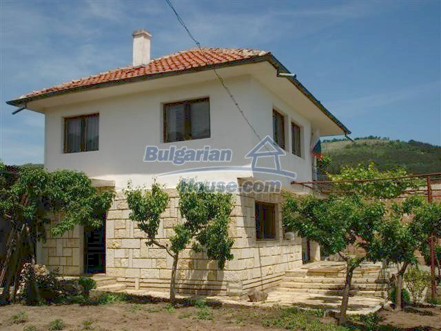 10261:9 - House in Bulgaria for sale only 600m away from the sea