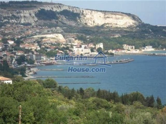 10261:33 - House in Bulgaria for sale only 600m away from the sea