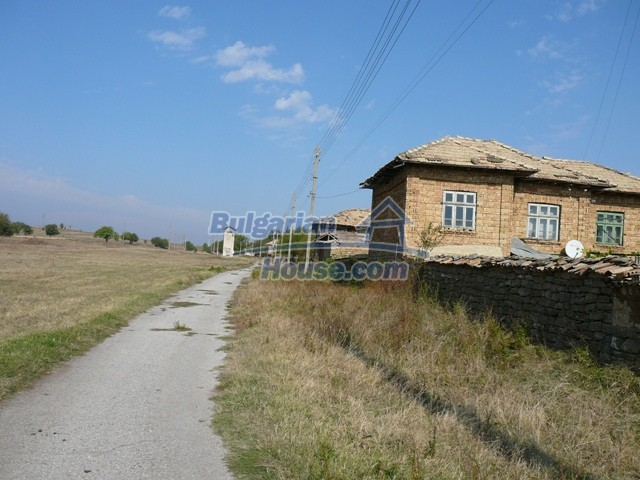 10277:2 - Cheap bulgarian house for sale with magnificent mountain views,