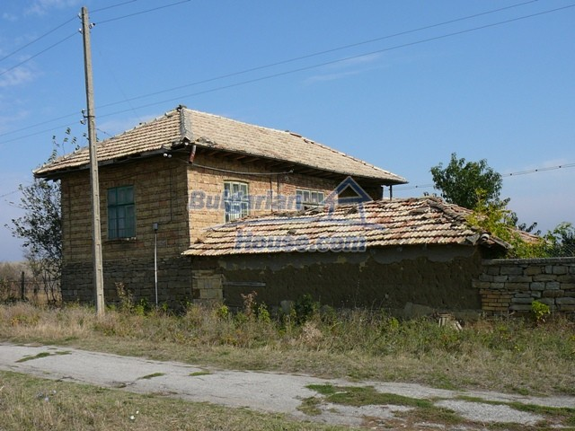 10277:4 - Cheap bulgarian house for sale with magnificent mountain views,