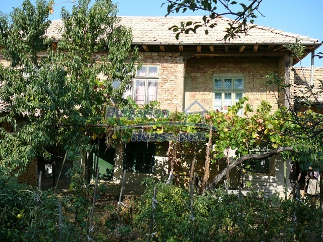 10277:9 - Cheap bulgarian house for sale with magnificent mountain views,