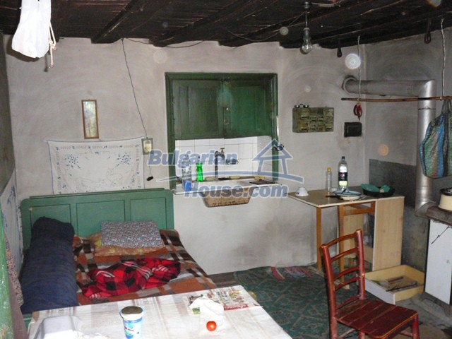 10277:12 - Cheap bulgarian house for sale with magnificent mountain views,
