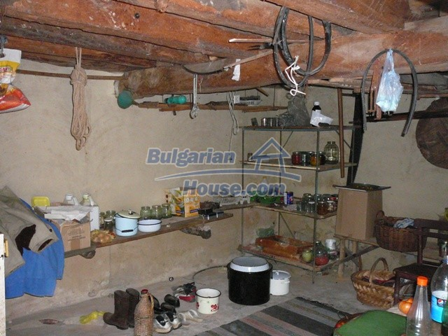10277:15 - Cheap bulgarian house for sale with magnificent mountain views,