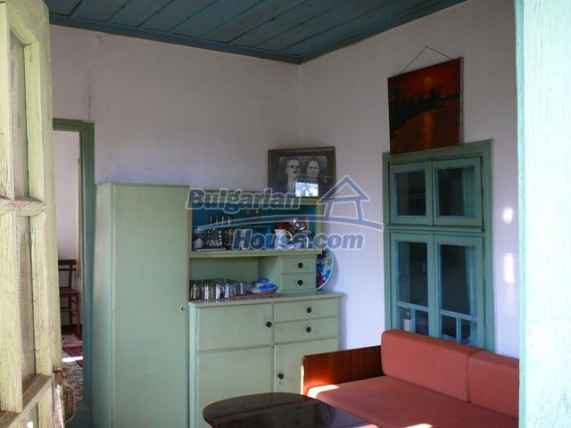 10277:17 - Cheap bulgarian house for sale with magnificent mountain views,