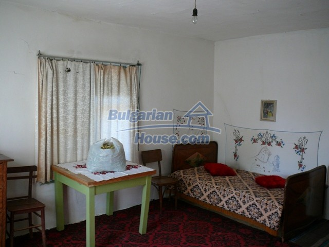 10277:19 - Cheap bulgarian house for sale with magnificent mountain views,