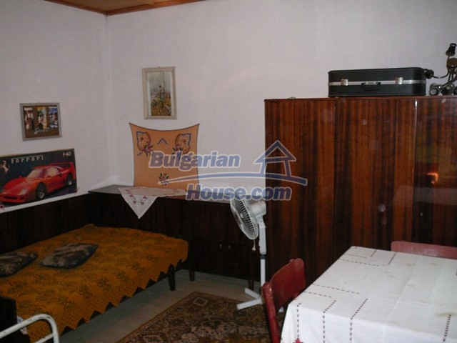 10277:22 - Cheap bulgarian house for sale with magnificent mountain views,