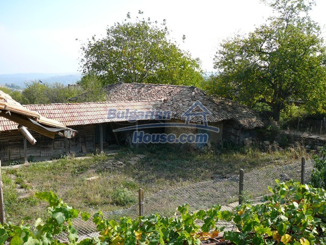 10277:25 - Cheap bulgarian house for sale with magnificent mountain views,