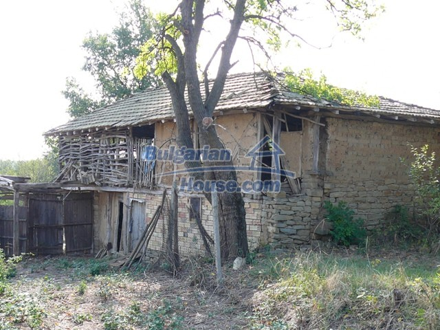 10280:5 - Buy Cheap Bulgarian house with stunning mountain view near lake