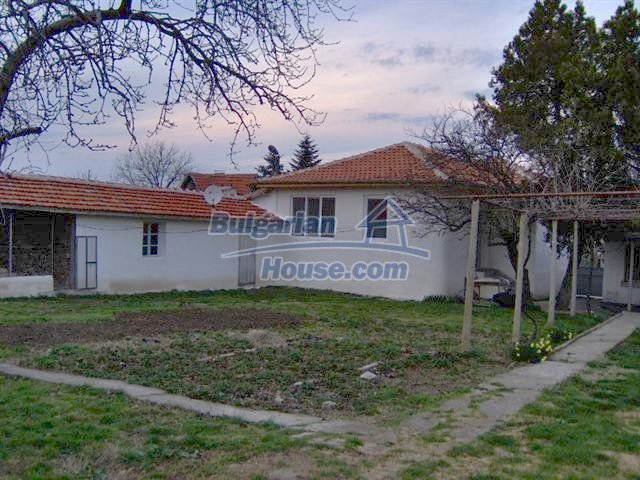 10301:2 - Nice bulgarian house for sale in a lovely countryside Yambol