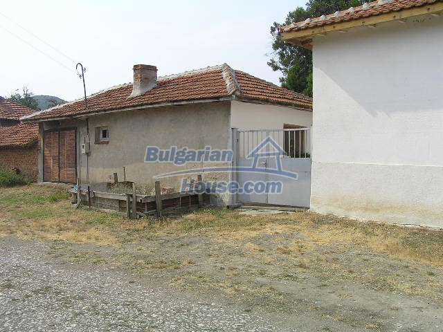 10301:13 - Nice bulgarian house for sale in a lovely countryside Yambol