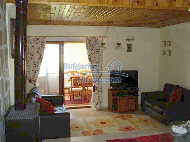 10304:12 - Charming Bulgarian house with swimming pool near Elhovo