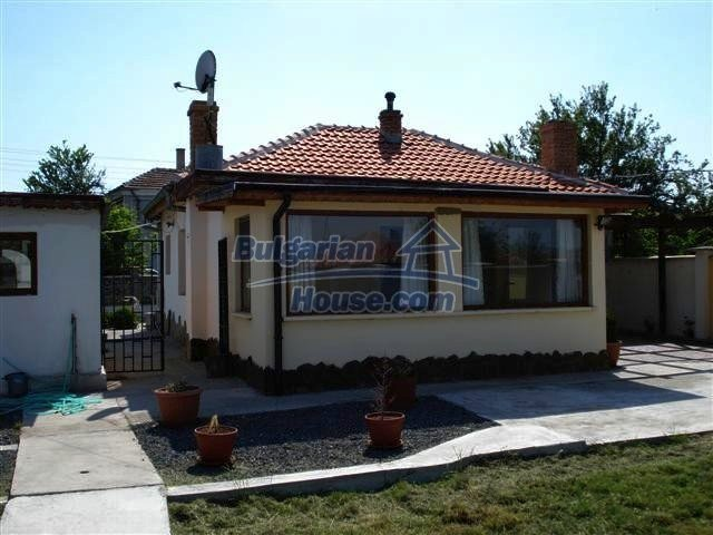 10304:6 - Charming Bulgarian house with swimming pool near Elhovo