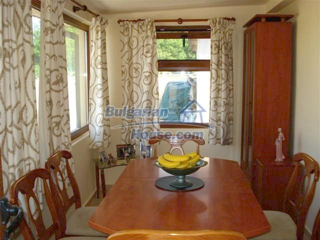 10304:13 - Charming Bulgarian house with swimming pool near Elhovo