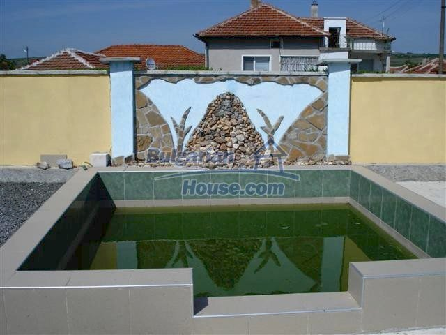 10304:28 - Charming Bulgarian house with swimming pool near Elhovo