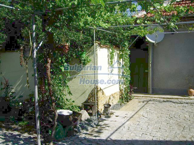 7131:19 - House in very good condition located in town of Elhovo