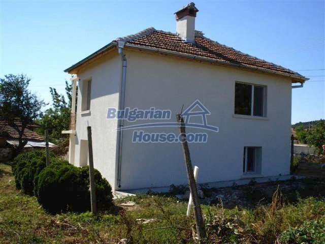 10311:3 - Cozy renovated Bulgarian properties at very low price