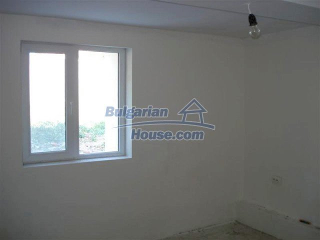 10311:13 - Cozy renovated Bulgarian properties at very low price